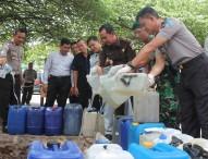 Polres Ngawi Musnahkan Ribuan Liter Miras