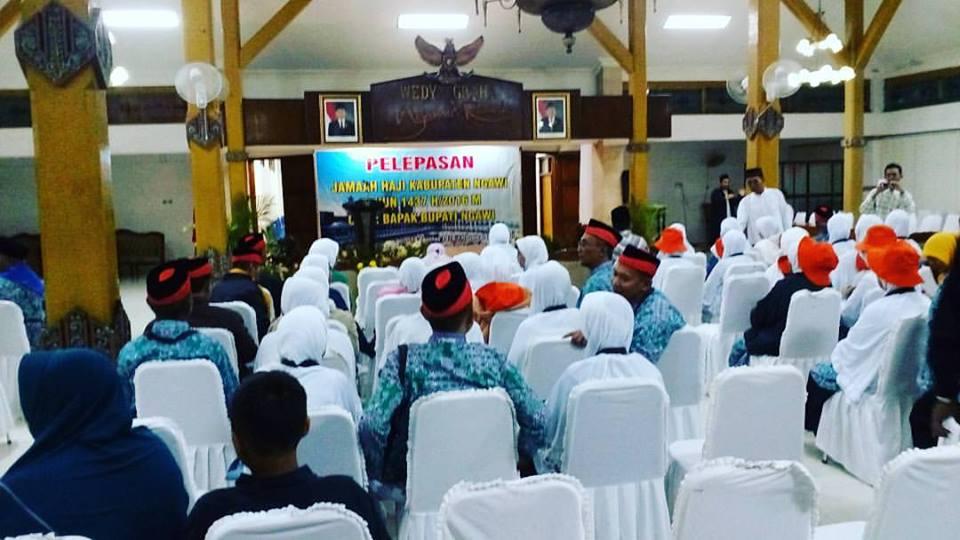 175 Calon Jamaah Haji Ngawi Diberangkatkan