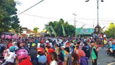 Photo of Masyarakat Berjubel Lihat Pawai Pembangunan