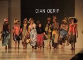 Batik Dian Oerip di Jogja Fashion Week 2016