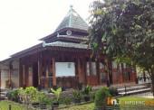 Ornamen Kayu Megahkan Masjid Al Qoshosh 77