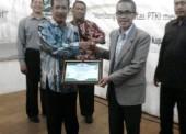 IAI Ngawi Terima Penghargaan dari Kopertais IV