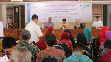 Photo of Seminar Pendidikan dan Launching Gerakan 100 Guru Ngawi Menulis 100 Buku