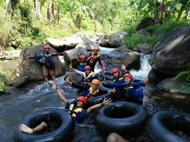 keseruan-river-tubing-kali-cunthang
