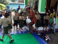 TK Tunas Rimba Ajarkan Kepekaan Melalui Pendistribusian Zakat Fitrah