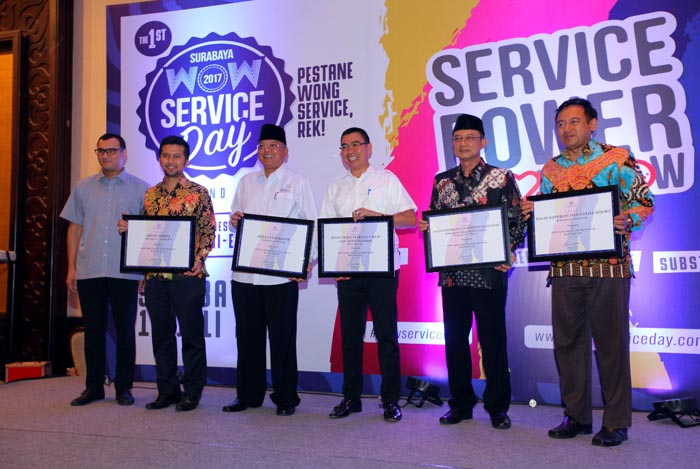 Bupati-Ngawi-Raih-Penghargaan-WOW-Service-Excellence-Award-2017