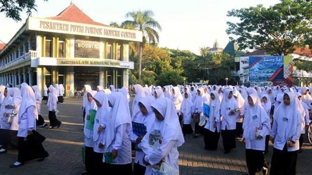 Ribuan Santriwati Mendaftar ke Pondok Gontor Tahun Ini