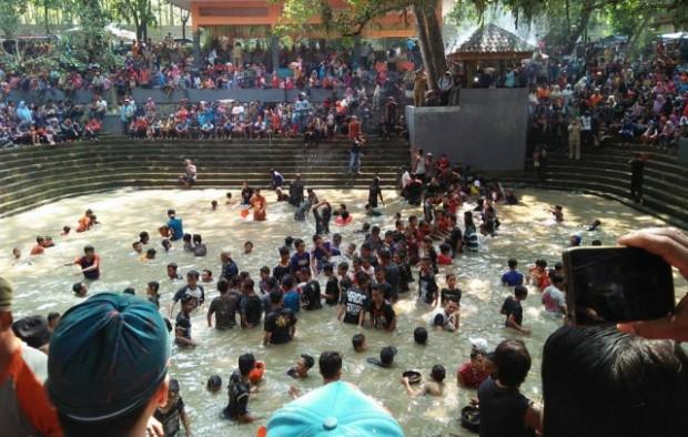 Keduk Beji : Upaya Merawat Tradisi Bersih Desa