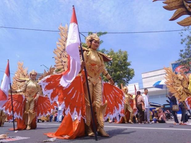 Lenggak-Lenggok Sajian Budaya dalam Ngawi Carnival 2017