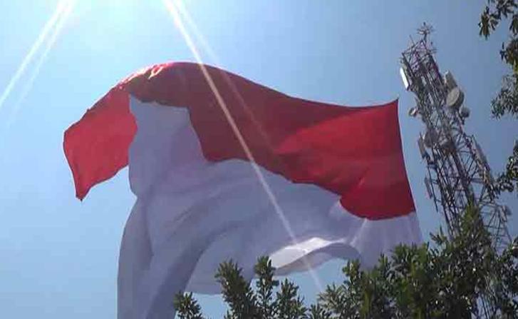 bendera-merah-putih-raksasa-ngawi