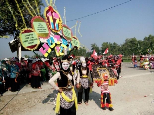 Guru dan Siswa PAUD Ini Unjuk Kreasi dalam Karnaval Kecamatan Bringin