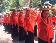 Ratusan Tumpeng Diarak dalam Puncak Festival Gravitasi Bumi Selondo 2017