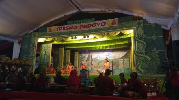 Suguhan Seni Ketoprak dalam Puncak Bulan Bhakti Gotong Royong Masyarakat ke-15