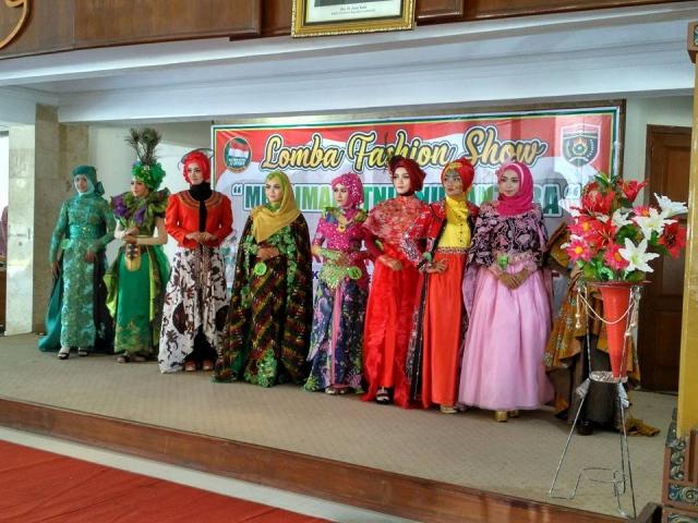 fashion-show-ngawi-hari-santri-nasional-2017