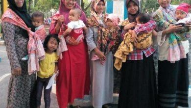 Photo of Ngawi Baby Wearers Ajak Masyarakat Gendong Bayi Sesuai Anatomi Tubuh