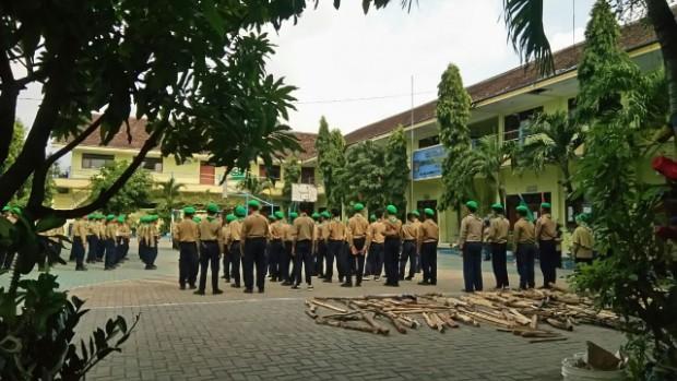 HW SMP Mulia Tingkatkan Kualitas Organisasi dengan Perkemahan Sabtu Malam Ahad