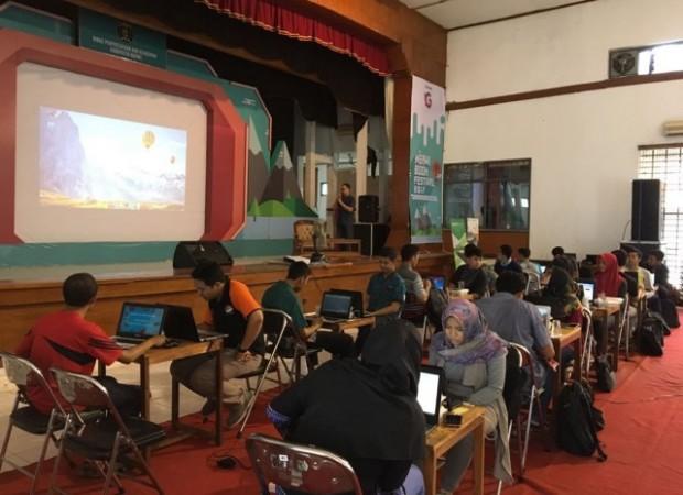 Workshop Digital Membuat Aplikasi Android Banyak Diminati