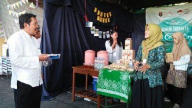Photo of Forsmawi Suguhkan Produk Khas Ngawi dalam Unesa Art nd Culture Festival