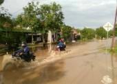 Jalanan di Beberapa Desa Di Kecamatan Pangkur dan Kwadungan Sudah Mulai Tergenang