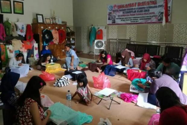 Pelatihan Hijab Lukis ini Patut Dicontoh Oleh Desa Wisata di Ngawi