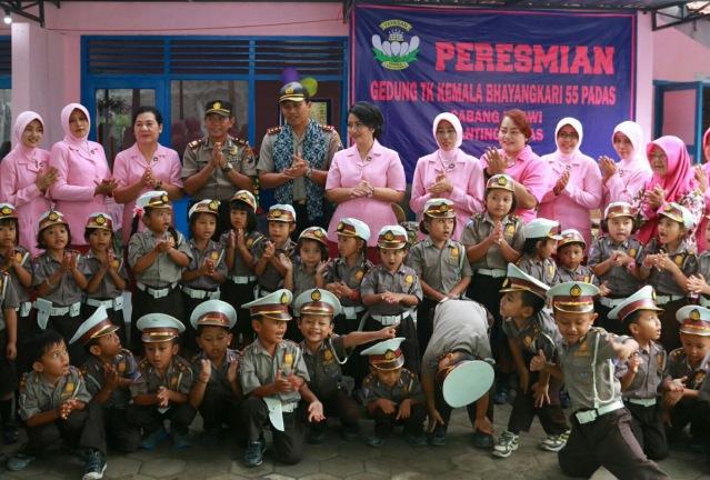Gedung Baru TK Kemala Bhayangkari 55 Padas Telah Diresmikan, Selasa (28/11). Foto-ResNgawi