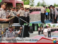 Kapolres Ngawi Berikan Umroh Gratis kepada 3 Anggotanya