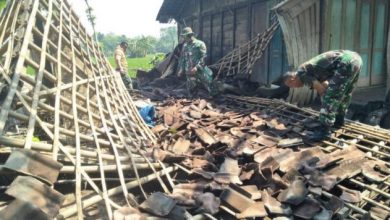 Photo of Berikut 14 Rumah Rusak dan 1 Roboh Akibat Puting Beliung di Jeblogan dan Gelung