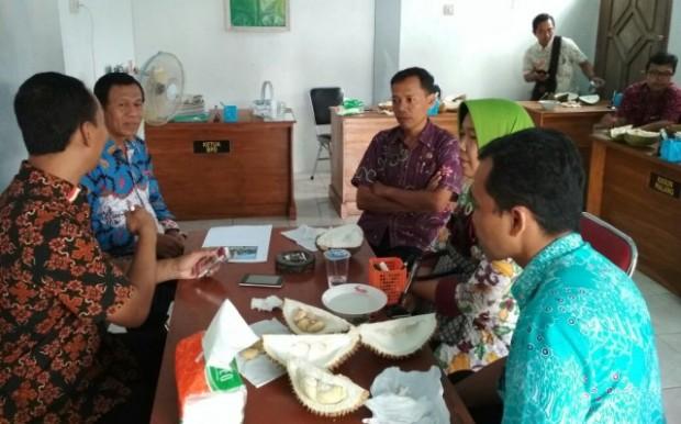 Semua Pihak Bersinergi Mempersiapkan Festival Durian Karanggupito