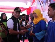 Ajeng Estu Trisnawatie Raih Bupati Award 2017 Kategori Pengembangan Batik Tulis Ngawi