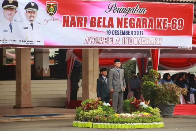 Bupati Ngawi menjadi Pembina Upacara Peringatan Hari Bela Negara, Selasa (19/12) di halaman Pendopo Wedya Graha. Foto-Istimewa