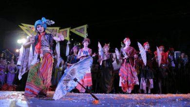 Photo of Umbrella Fashion Karya Dian Oerip Melenggang di Thailand