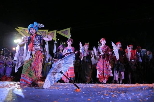 Opening Ceremony Dance Bor Sang Umbrella Festival 2018 at San Khampaeng District, Chiang Mai, Thailand,  Jumat (19/01)  bertema Swastra Nusantara. Foto-IG/ennoweinhold