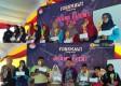 Para Perwakilan Tim Juara FIO 2018 Menerima Trophy. Foto-Taufiqurrohman