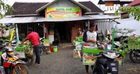 Yani Yantini Sukses Berjualan Pentol Ikan di Tanah Rantau