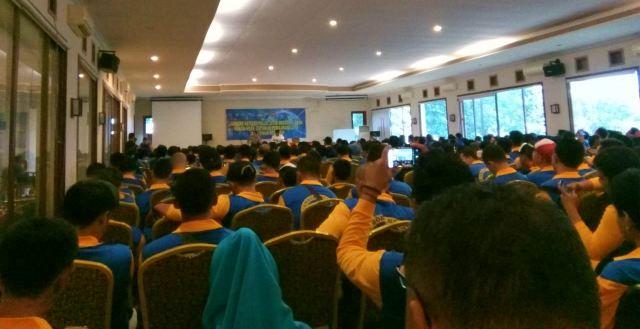 Peserta Jambore Netizen Polda Jatim 2018 menerima  materi dari pakar media sosial. Foto-Adit/KampoengNgawi.com