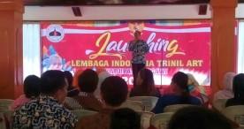 Ony Anwar Meresmikan Lembaga Indonesia Trinil Art