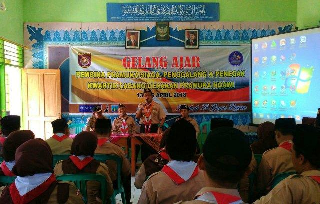 Istijono PHK membuka Gelang Ajar Pembina Kwarcab Ngawi, Jumat (13/03). Foto-KampoengNgawi.com/SHA
