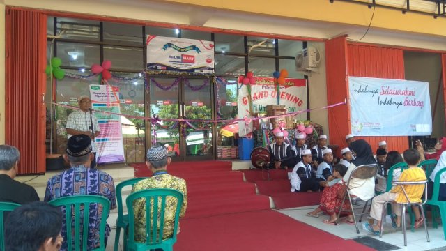 Grand Opening MI UMI Mart Ngawi, Minggu (13/05). Foto-Istimewa/Tq