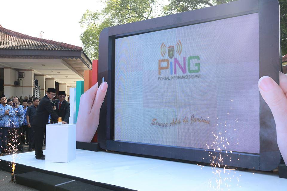 Bupati Ngawi Me-Launching Aplikasi Android Portal Informasi Ngawi (PING), Senin (21/05). Foto-Dok. Pemda Ngawi
