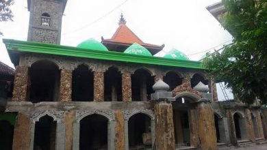 Photo of Masjid Batu Unik di Desa Gerih