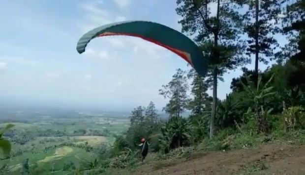Asyik.. Paralayang Di Ngawi Segera Bisa Kamu Coba
