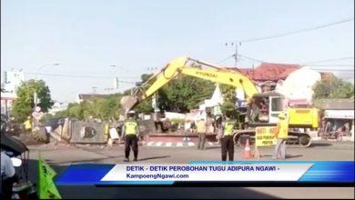Photo of VIDEO : Detik-detik Perobohan Tugu Kartonyono Ngawi