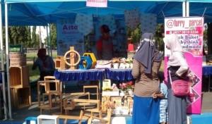 Cerita Penjual Produk Non Sembako di Pasar Murah Lebaran Ngawi