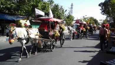 Photo of Masyarakat Ngawi Menikmati Semarak Iring-Iringan Kirab Pusaka Ngawi Tahun 2018