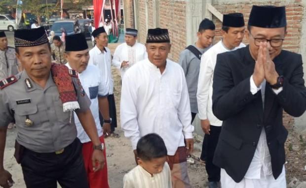 Bupati Ngawi Serahkan 1 Ekor Sapi dan 15 Ekor Kambing Di Desa Bangunrejo Lor