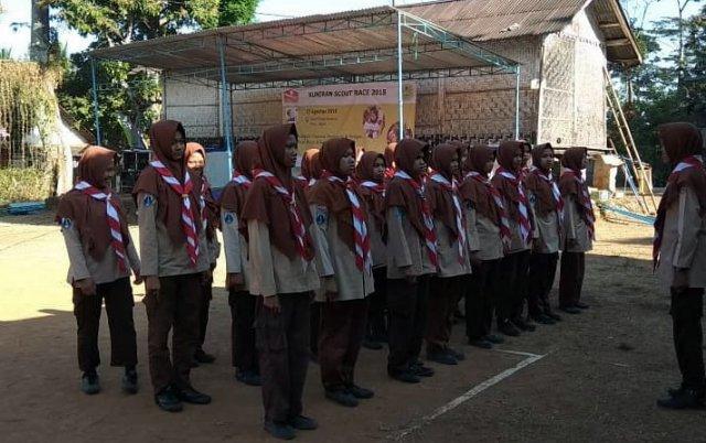 Salam Satu Tim Peserta Kuniran Scout Race 2018 sedang mempersiapkan diri. Foto-Istimewa/Priyo