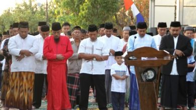 Photo of Ony Anwar Ajak Jamaah Salat Idul Adha Doakan Korban Bencana Lombok