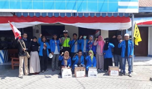 Aksi Penggalangan Dana PMII Ngawi di Perempatan Kartonyono, Sabtu (11/08/2018). Foto-Dok. PMII Ngawi