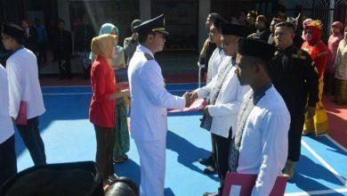 Photo of Bupati Ngawi Menyerahkan Remisi Kepada 184 Napi di Hari Kemerdekaan