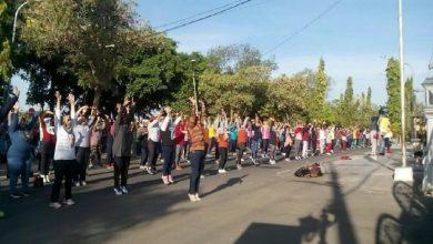 Photo of Masyarakat Ngawi Ramaikan Senam Bersama Gerakan Indonesia Sehat